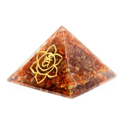 Orgonite Piramide Carneool - Heiligbeenchakra - (70 mm)