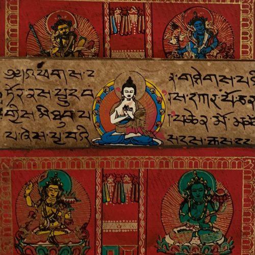 Tibetaans Gebedenboek met handbeschilderde Mantra's en Boeddha's (Model 1)